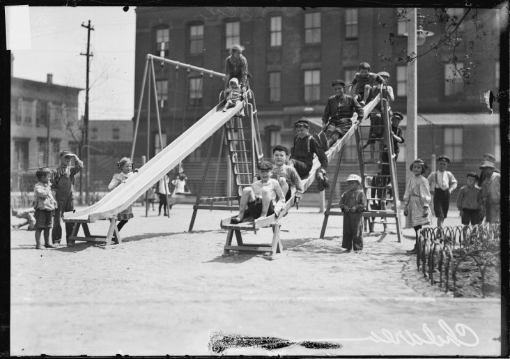 04-1908 Children playing. Credit-Chicago History Museum_sml.preview