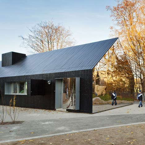 dezeen_Mirror-House-by-MLRP-1