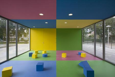 dzn_Anansi-Playground-Building-by-Mulders-vandenBerk-Architecten-6